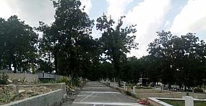 Mezarlıklara beton yol