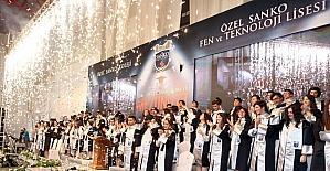 Özel SANKO liseleri mezunlarının diploma mutluluğu