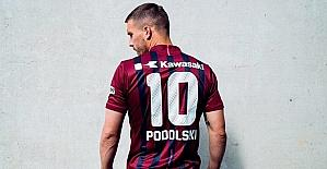 Podolski, Vissel Kobe formasını giydi