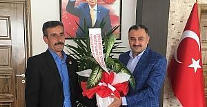Sindelhöyük Mahalle Muhtarından Başkan Cabbar'a teşekkür ziyareti