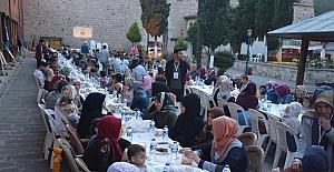 Sinoplular Alaaddin Camisi'nde iftar açtı