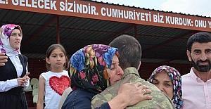 Sivas'ta acemi erlerin duygusal yemin töreni