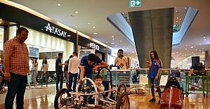 Üniversiteli gençlerin ürettiği yerli araçlar sergilendi