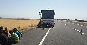 Ağrı'da yolcu otobüsünde 150 kaçak yakalandı