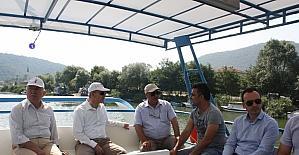 Bartın Valisi Dirim, gazetecilerle tekne turunda buluştu