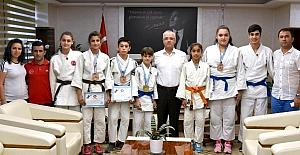 Başkan Kayda, judocuları ödüllendirdi