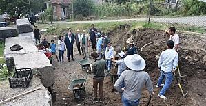 Başkan Keleş, kazı alanında inceleme yaptı