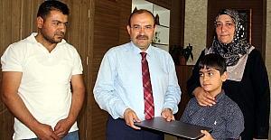 Bitlis Valisi Ustaoğlu'ndan şehit oğluna bilgisayar