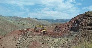 Erzincan Kemah Tuzlaköy Barajında çalışmalar devam ediyor