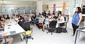 Gençlere ikna ve lobicilik eğitimi