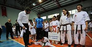 Gürsu'da çocuklar spora doyuyor