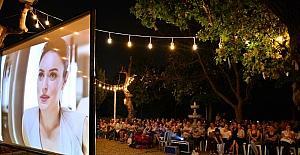 Kadıköy parklarında sinema keyfi