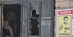 Kars'ta hırsızlar atölye soydu