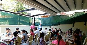 Kur'an kursu öğrencileri kahvaltıda buluştu