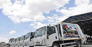 Sandıklı Belediyesi Temizlik İşleri Müdürlüğü filosuna 9 yeni araç katıldı