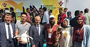 """SAÜ'lü öğrenciler yarışmaya """"Uçan Yumurta"""" ile katıldı"""