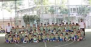 Siirt'te 75 çocuk akademide futbol öğreniyor