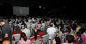 Yaz sineması nostaljisinde yıldızlar geçidi