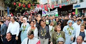 Adalet Bakanı Gül ve ünlü sanatçılar Antep Fıstığı için yürüdü