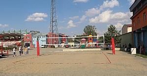 Bin 652 rakımlı Ağrı'da plaj voleybolu
