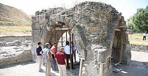 Büyükşehir tarihi çalışmalara destek veriyor