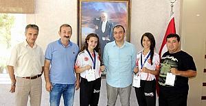 Dünya şampiyonları altın ile ödüllendirildi