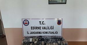 Edirne'de 750 bin TL'lik kaçak cep telefonu ele geçirildi