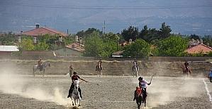 Erzincan'da Atlı Cirit 1. Lig'e Yükselme Heyecanı