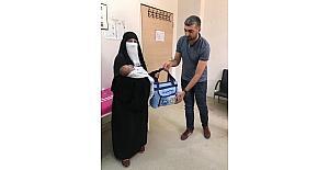 Hoşgeldin bebek projesi kapsamında 456 bebeğe çanta hediye edildi