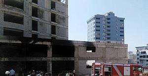 Kahramanmaraş'ta inşaattaki yangın korkuttu