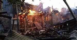 Kemaliye'de 11 ev yandı