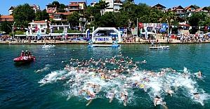 Kocaeli sahillerinde 416 sporcu kulaç attı