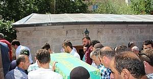 Minik Yunus Emre gözyaşlarıyla uğurlandı