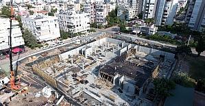 Muratpaşa'da çok amaçlı gösteri merkezinin inşaatı devam ediyor