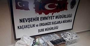 Nevşehir'de 101 adet gümrük kaçağı cep telefonu ele geçirildi