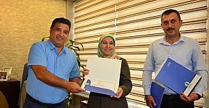Nezaket Okulu eğitmenlerine sertifika