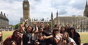 Öğrenciler yaz tatilinde İngiltere'de eğitim aldı