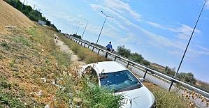 Otomobil su kanalına uçtu: 4 yaralı
