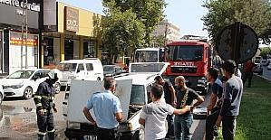 Seyir halinde yanan araç paniğe neden oldu