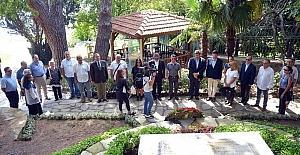 Tevfik Fikret, mezarı başında anıldı