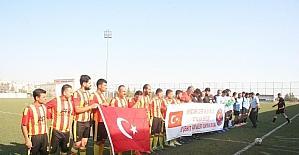 Türk ve Suriyeliler dostluk maçı yaptılar