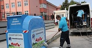 Yunusemre'de konteynerler temizleniyor