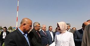 Aile Bakanı Kaya, Gaziantep'te engelli öğrencilerle bir araya geldi