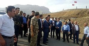 AK Parti'li Kavakçı, teröristlerin vurduğu sığınmacıları ziyaret etti