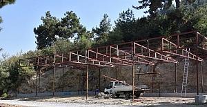 Alaşehir Belediyesi üreticinin yanında