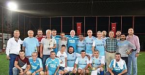 Ayvalık Şöhretler Turnuvası'nın şampiyonu 2008 Yenimahalle Spor oldu