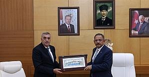 Bakan Özhaseki: ''Sakarya Türkiye'ye örnek bir şehir''