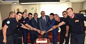 Başkan Ergün itfaiyecilerle birlikte pasta kesti
