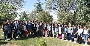 Başkan Yağcı, İzmir'den gelen üniversite öğrencileriyle bir araya geldi
