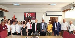 Belediye personelinden Başkan Özakcan'a doğum günü sürprizi
